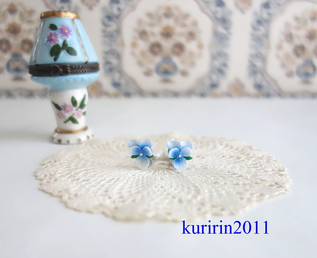��Vintage��Blue pansy earing