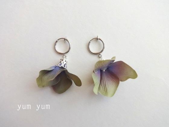 紫陽花はなびらイヤリング