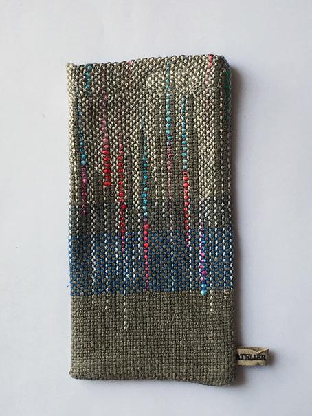 綺麗な色の手織りスマホ袋 送料無料