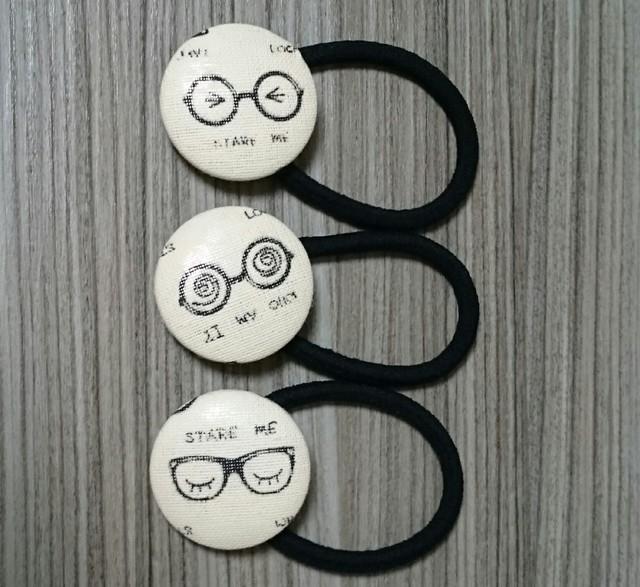 送料無料☆3本set☆メガネさんのくるみボタンヘアゴム(表情あり)