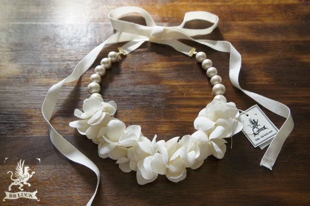 necklace 【 紫陽花とコットンパールのリボンネックレス * off white 】