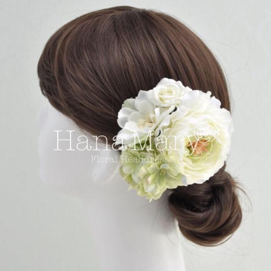 ホワイト系ラナンキュラスの髪飾り