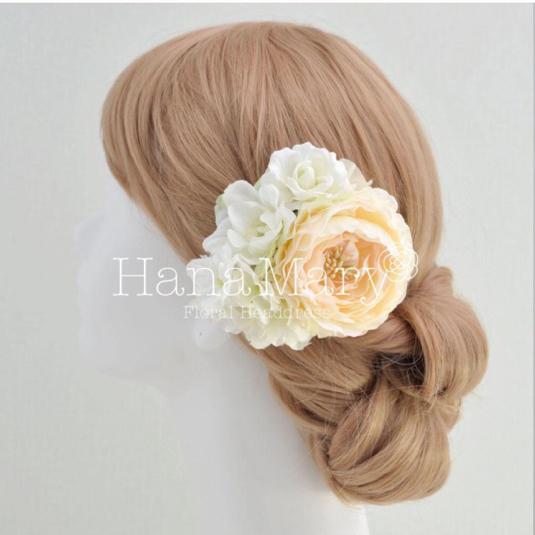 ピーチ系ラナンキュラスの髪飾り