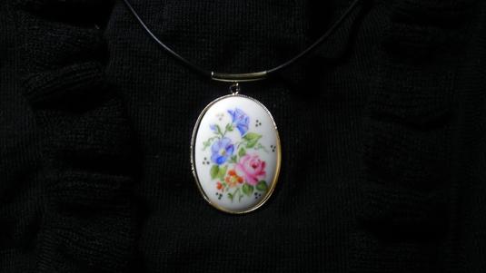 陶器のネックレス(バラとあさがお)