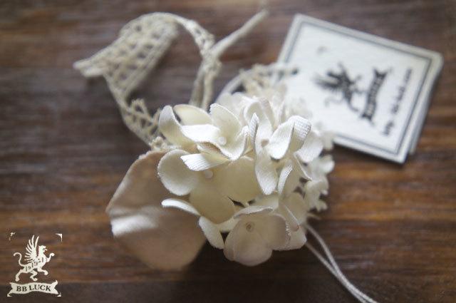 corsage 【 紫陽花とレースフラワーのコサージュ * off white 】