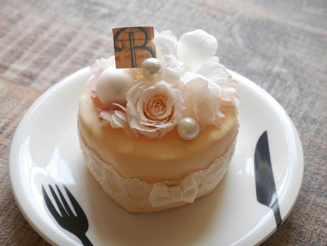 食べちゃいたいくらいのケーキアレンジ ホワイトクリーム