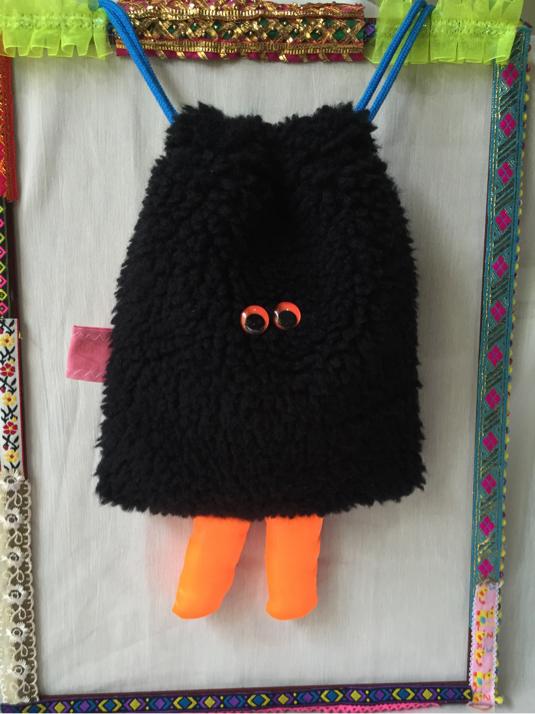 ブラックチリ モジャモジャ巾着ポーチ(大)