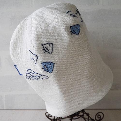 アイリッシュリネンニット生地に刺繍を入れたニット帽(千鳥)