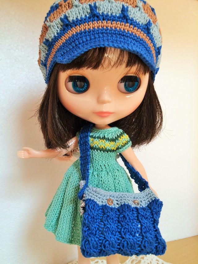 若葉色のフレアスカートのワンピと帽子、バッグのセット