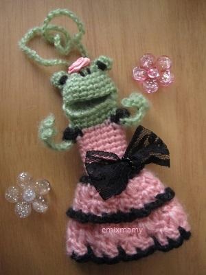 【SALE】あみぐるみ!ケロリップカバー・ピンク×黒ドレスのケロリーヌさん♪
