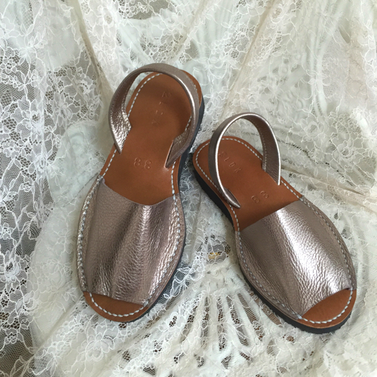 靴擦れしない長く歩ける本革オーダーメイドサンダル★☆ライトゴールド
