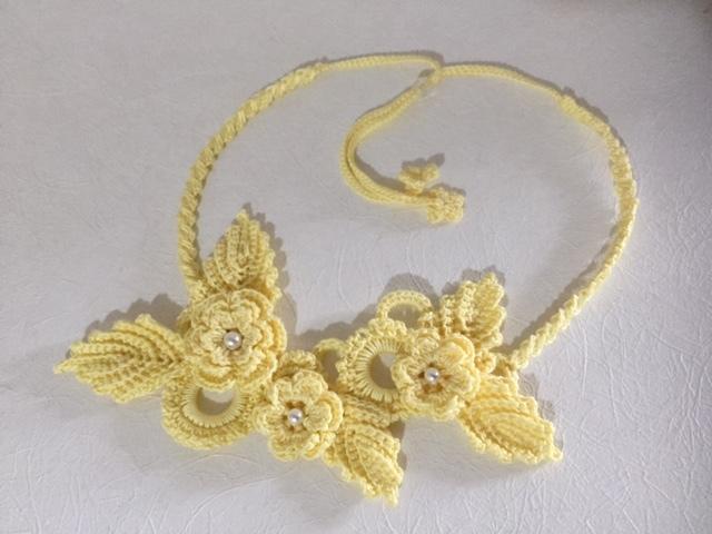 ♪アイリッシュクロッシェのお花ネックレス(レモンイエロー)♪