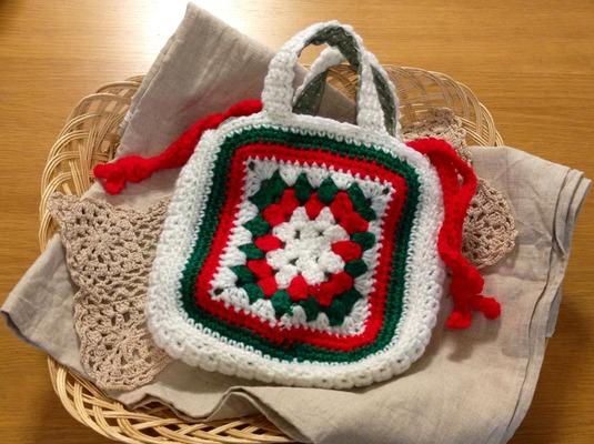 かぎ針編み手提げカバン