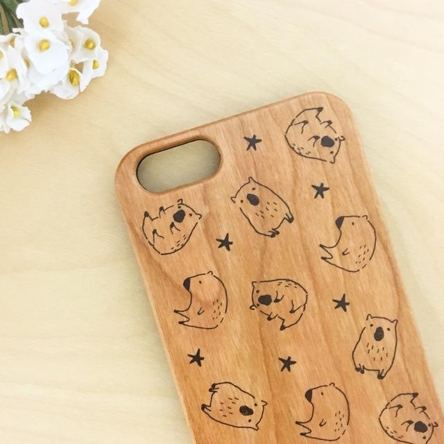 カピバラ…?柄 木製iPhoneケース