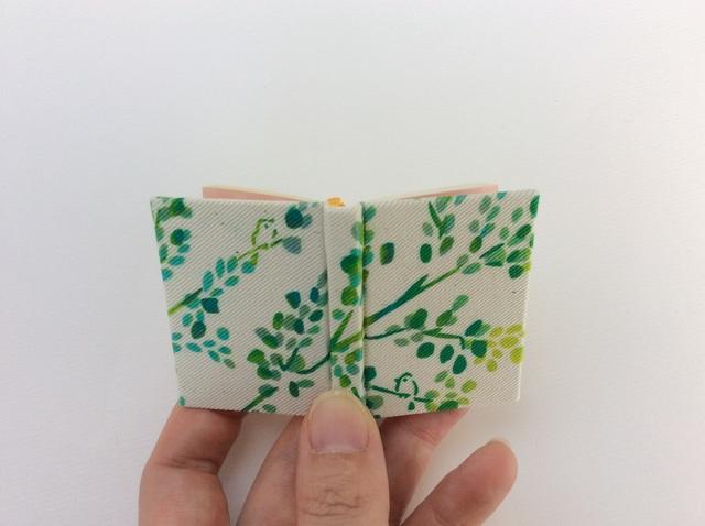 「枝に小鳥」 型染め豆本