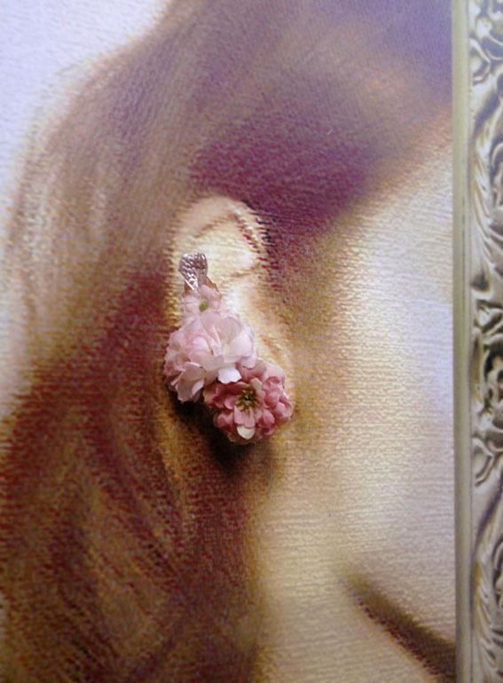 花のヘアクリップと薄紅片耳飾り【セット】