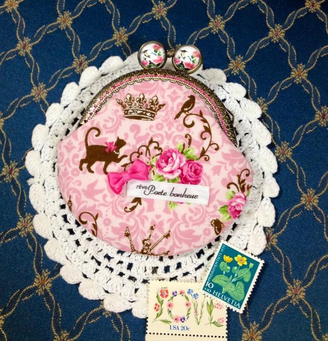 ピンクの薔薇と猫と鳥*レジンげんこの丸型がま口