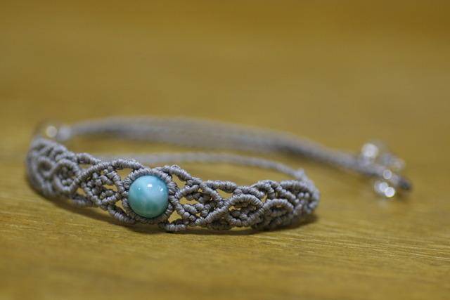 天然石ラリマーのマクラメ編みブレスレット