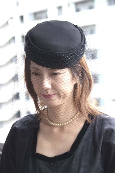 冠婚葬祭にピッタリのトーク帽♪改まったお席に上品に被っていただけるシックなトーク帽です。
