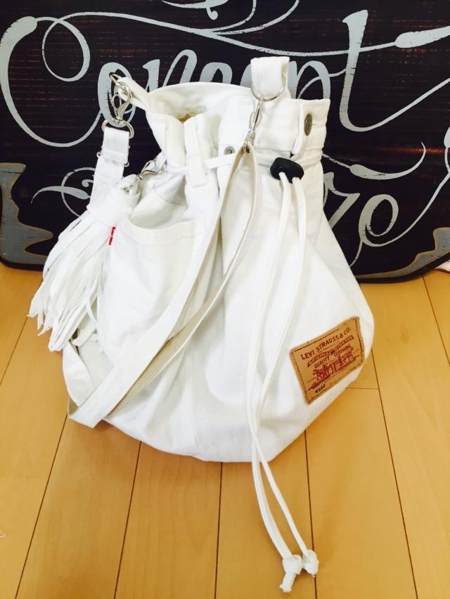 リーバイスホワイトデニムベーシック巾着ショルダー