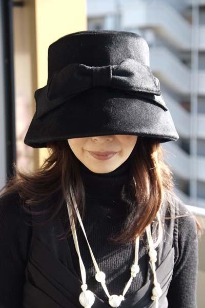 映画の女優オードリー・ヘップバーンのように〜♪上品に!そしてキュートに!カッコよさと甘さがにじみ出たシネマティックな女優スタイルを♪クラシカルでモダンな素敵なお帽子です。
