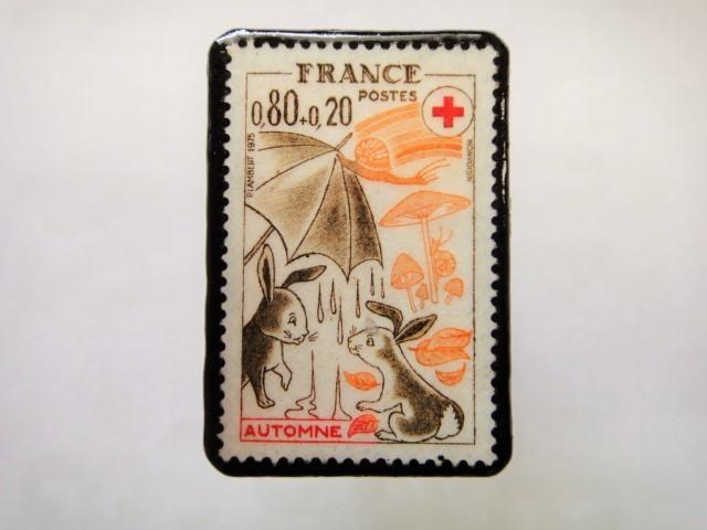 フランス 切手ブローチ1100