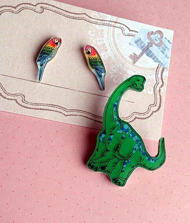 *ma様ご予約品*恐竜ブローチ&オウムちゃんピアス