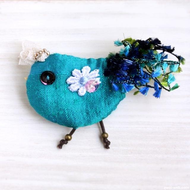 ゆかいな青い鳥の布ブローチ