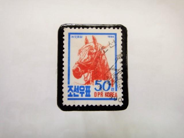 韓国 馬切手ブローチ1106