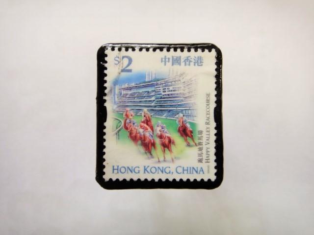 香港 馬切手ブローチ1107