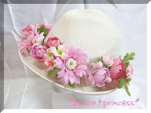 ピンクの可愛い花冠