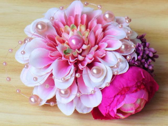 春色ピンクダリアのコサージュ