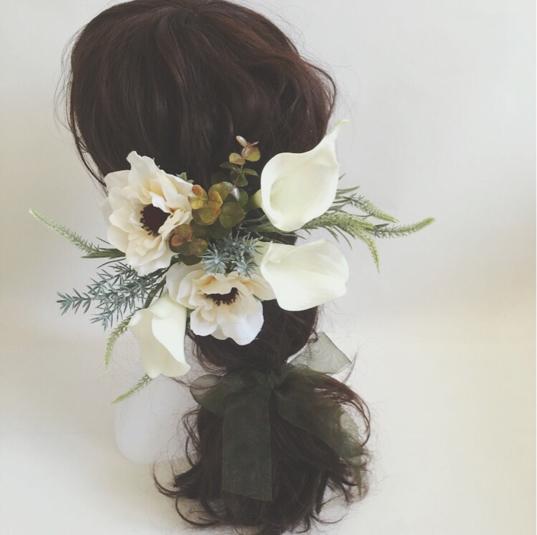 アネモネとカラーのホワイトヘッドドレス 花飾り ドレス 結婚 ...