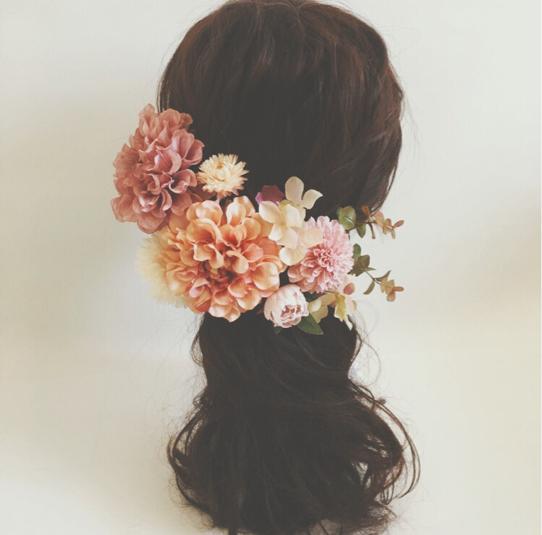 オレンジピンクのヘッドドレス 花飾り ドレス 結婚式 ...