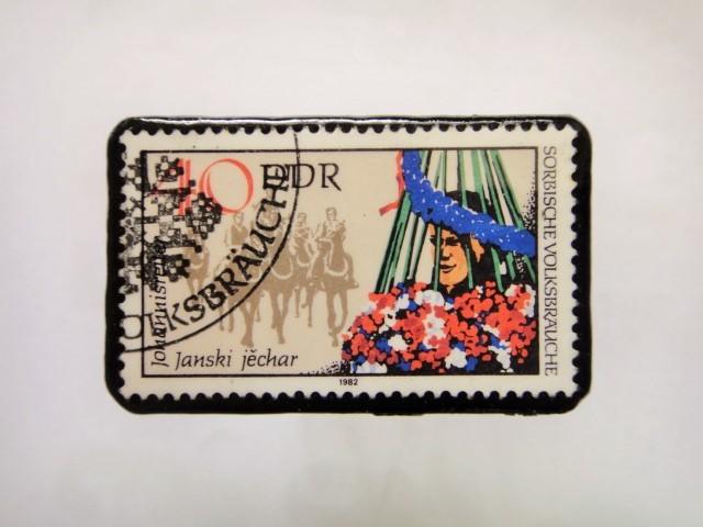 旧東ドイツ 馬切手ブローチ1113