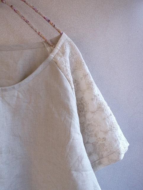 刺繍リネンラグランプルオーバー