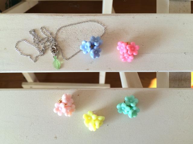 色が選べる!ブーケのネックレス
