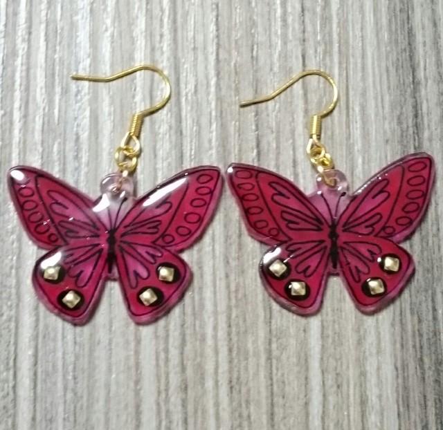 ロックな赤い蝶ピアス※イヤリング