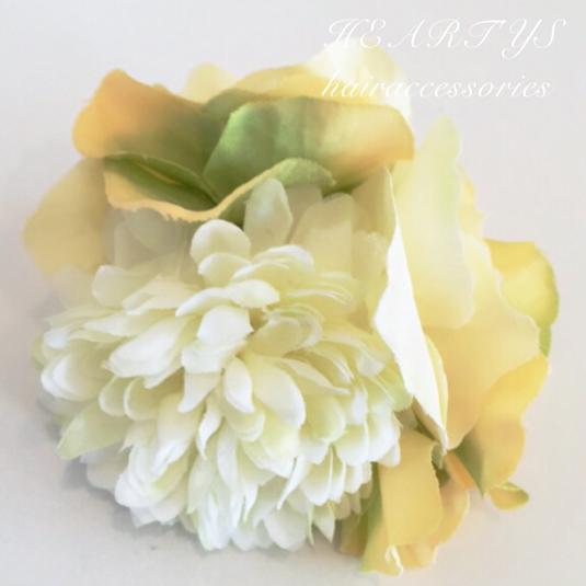 *ピンポンマム(ホワイト)のヘアクリップ♪【送料無料】