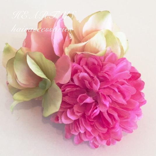 *ピンポンマム(薄ピンク)のヘアクリップ♪【送料無料】