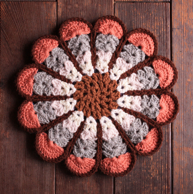 ●91129112様オーダー品● お花の円座 リバーシブル 30cm