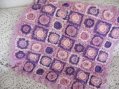 【受注製作】お花モチーフいっぱいの手編みブランケット パープル系