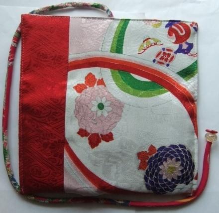 着物リメイク 花柄の振袖で作った和風財布 1455