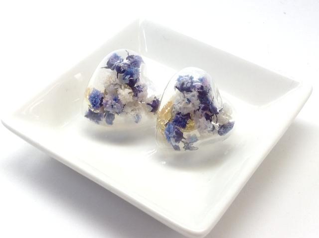 カスミ草のガラスドームイヤリング(ラベンダー)