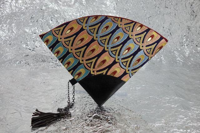 値下げ! 西陣織 金襴 扇形クラッチバッグ 羽重ね紺地