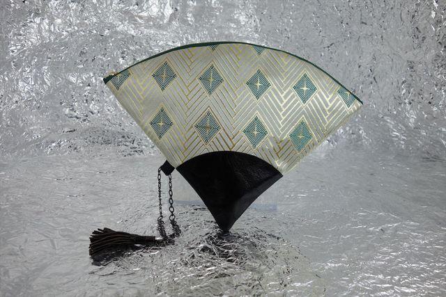 西陣織 金襴 扇形クラッチバッグ 菱つなぎ白地 プロトタイプ