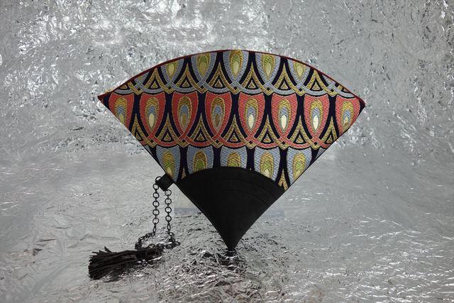 値下げ! 西陣織 金襴 扇形クラッチバッグ 羽重ね紺地 プロトタイプ