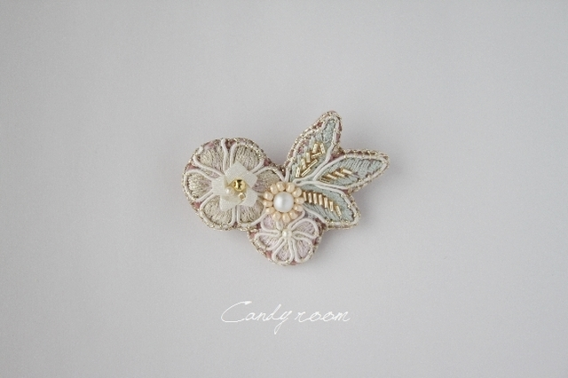 B82 embroidery brooch