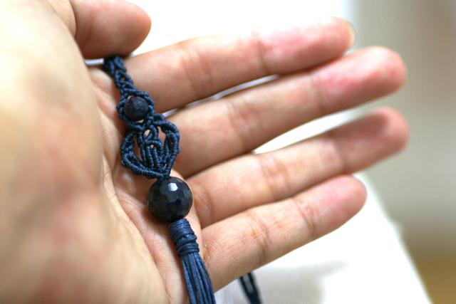 サファイアのマクラメ編み 天然石タッセルネックレス