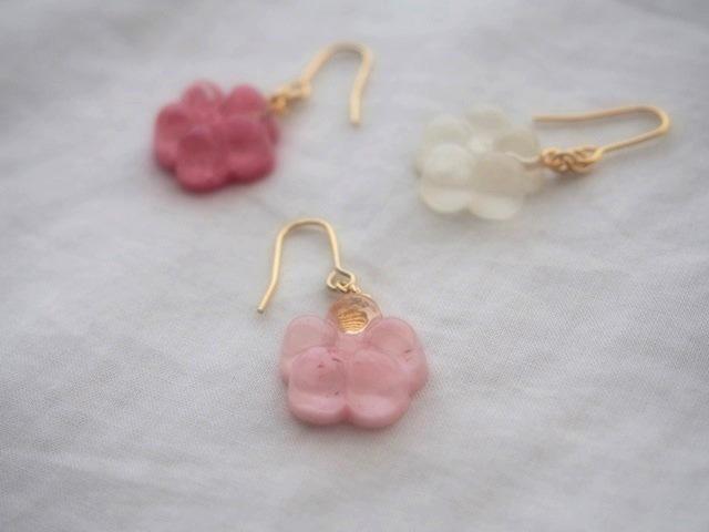 耳に水菓子ピアス(梅:薄ピンク)